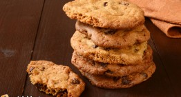 Critics: Girl Scouts Shouldn't Toss Their Cookies