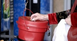 Salvation Army Worker Assulted Over 'Happy Holidays'
